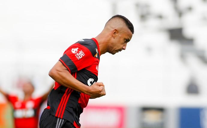 Jorge comemora gol de virada