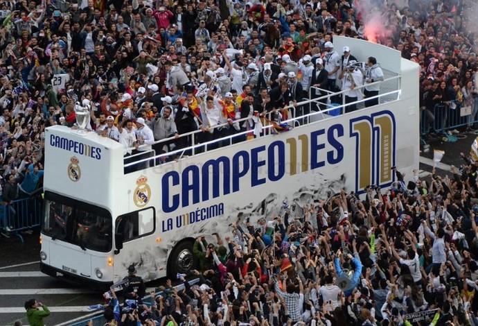 Real volta para Madri e faz festa com torcida na Praça Cibeles (Crédito: Reprodução)
