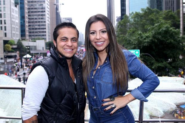 Thammy Miranda ao lado da namorada Andressa Ferreira