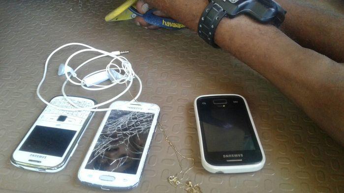 Jovens com tornozeleira eletrônica são presos após arrastão (Crédito: Reprodução)