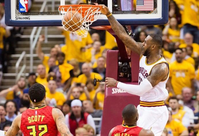 Para muitos, LeBron James é o melhor jogador da atualidade. Ele tem dois títulos da NBA e quatro troféus de MVP da temporada e dois das finais (Crédito: Getty)