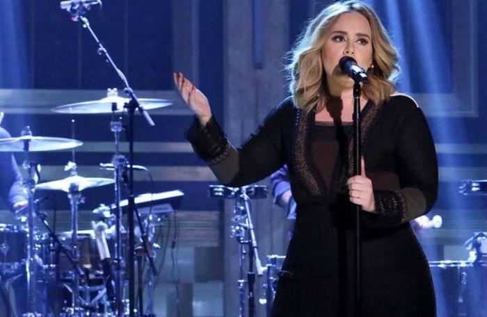 Adele (Crédito: Reprodução)