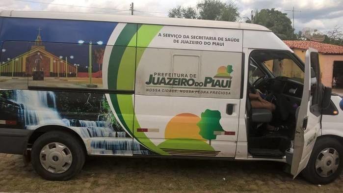 Van que transporta os pacientes  (Crédito: juazeiroalerta.com)