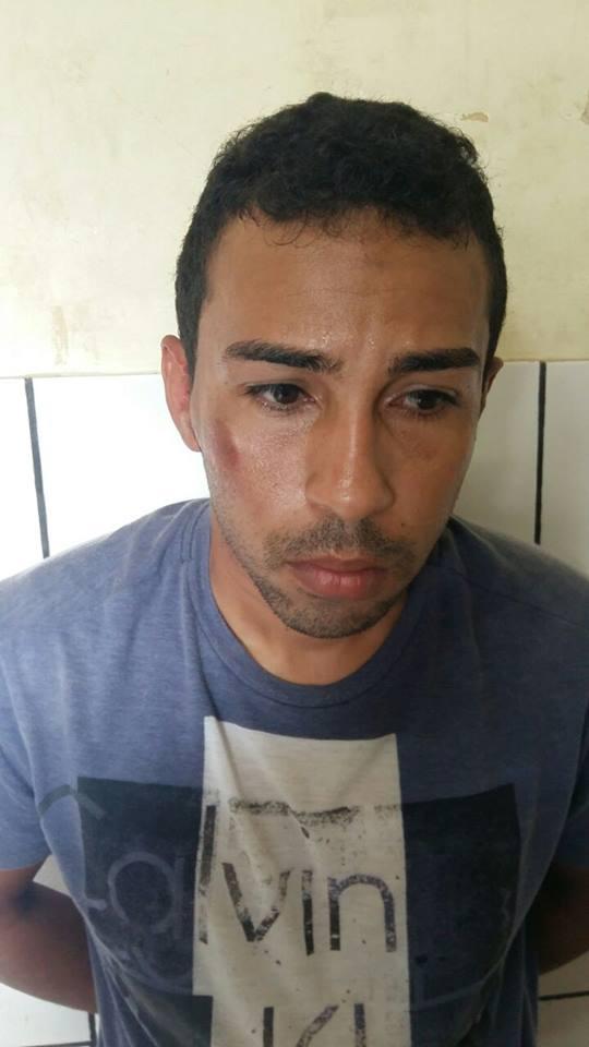 Acusado preso (Crédito: Plantão Policial PI)