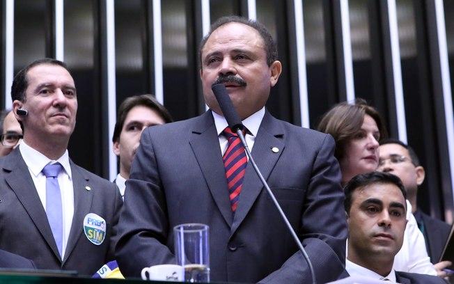 Antes vice, Waldir Maranhão assumiu cargo de presidente da Casa