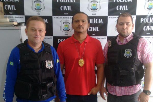 Delegado Aldely Fontineli juntamente com os policiais que participaram das ações (Crédito: Divulgação)