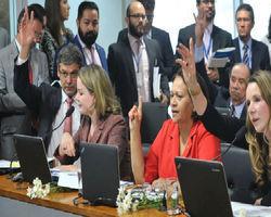 Veja como votaram os integrantes da comissão a favor do impeachment