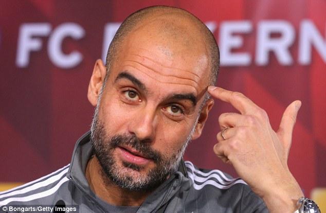 Pep Guardiola questiona médicos do Manchester