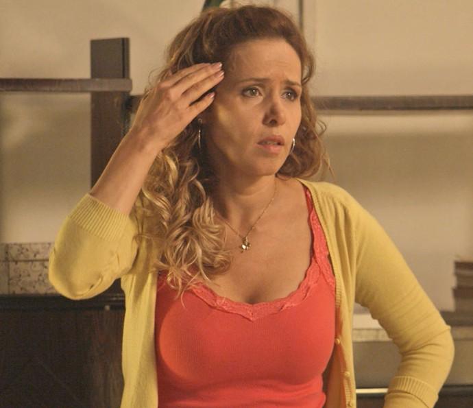 Gilda não resiste aos apelos dos filhos e resolve terminar tudo com Hugo (Crédito: TV Globo)