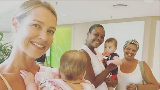Luana posa com filhos e as babás