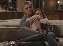 Natasha descobre traição e vai parar nos braços de Arthur