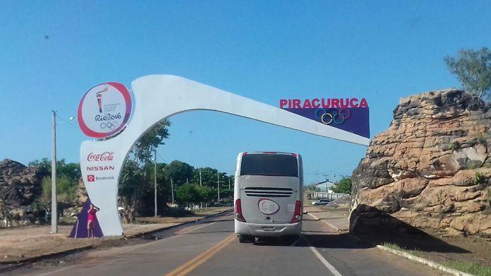 Tocha chegando na cidade de Piracuruca (Crédito: PRF)
