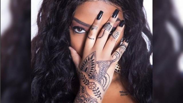 Ludmilla e a nova tatto (Crédito: reprodução)