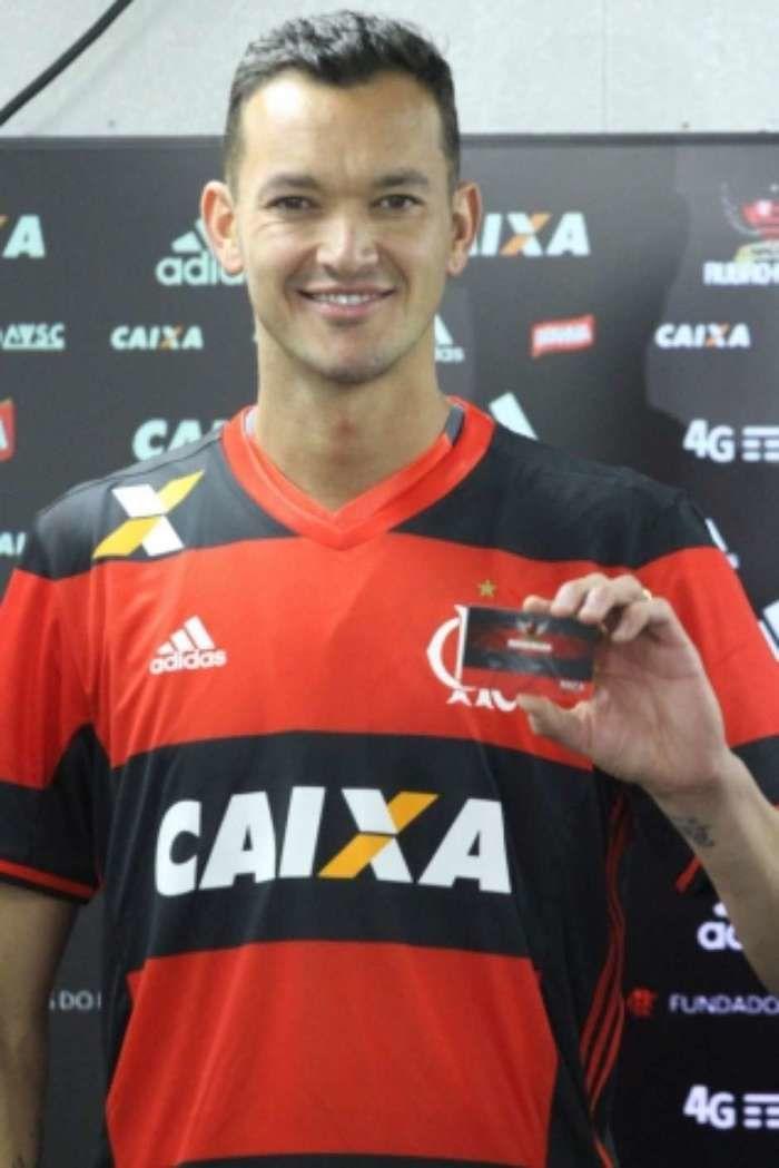 Réver, agora no Flamengo