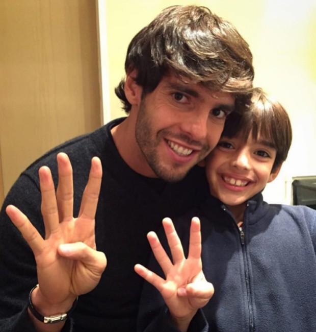 Kaká e o filho  (Crédito: Reprodução)