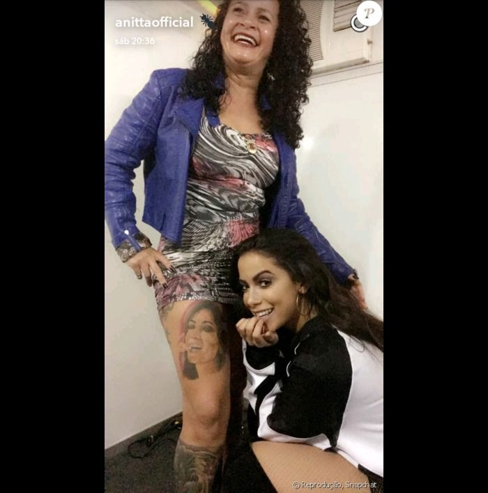 Fã tatuou o rosto de Anitta na perna
