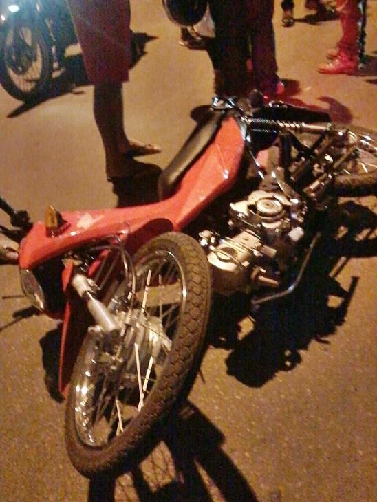 Motocicleta envolvida no acidente (Crédito: Reprodução)