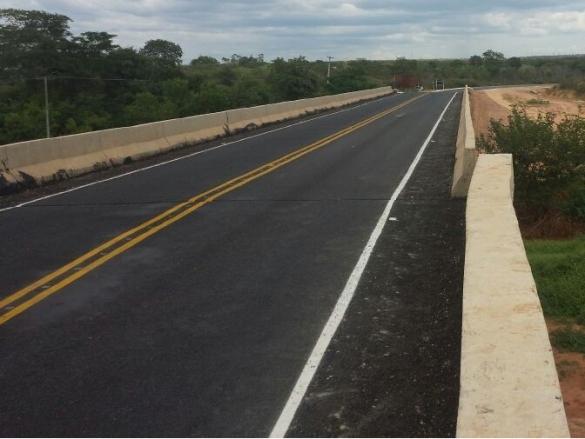 Ponte que liga as cidades de Palmeira do Piauí e Cristino Castro