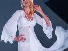 Ana Hickmann posa para campanha de lingerie e mostra corpo em forma
