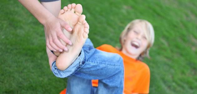 Rir das próprias cócegas é sinal de problemas de saúde