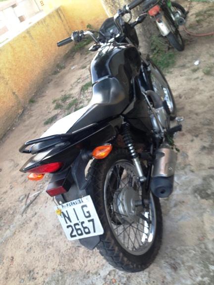 Motocicleta apreendida  (Crédito: Reprodução)