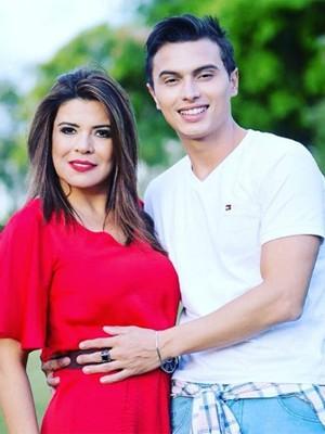 Mara e seu novo namorado (Crédito: Divulgação)