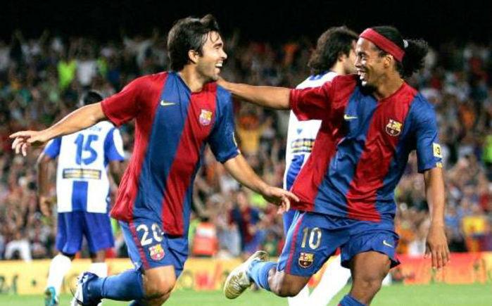 Deco e Ronaldinho jogaram juntos pelo Barça (Crédito: Reprodução)