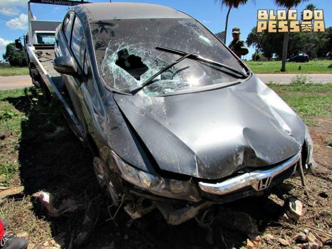 Veículo abandonado (Crédito: Blog do Pessoa)
