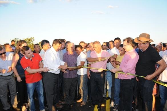 Governador entrega ponte no interior do Piauí