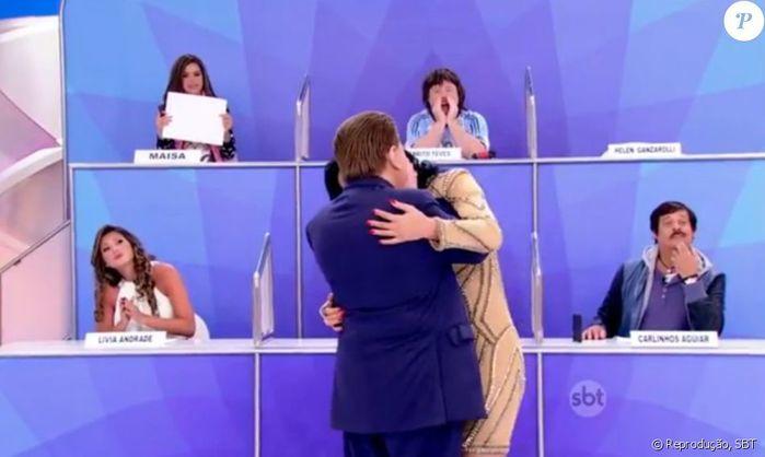 Silvio Santos simula beijo com Helen (Crédito: Reprodução)