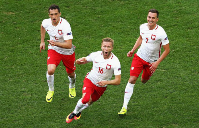 Jakub Blaszczykowski comemora o gol (Crédito: Getty)