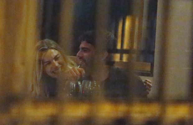 Grazi foi vista aos beijos com ex de Mariana Rios (Crédito: Reprodução)