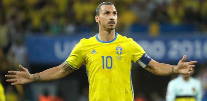 Ibrahimovic se despede da seleção da Suécia (Crédito: AP)