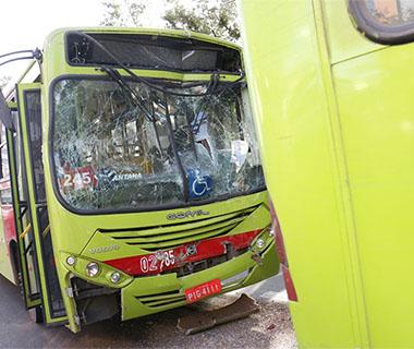 Colisão entre dois ônibus coletivo deixa seis feridos em Teresina (Crédito: Reprodução)