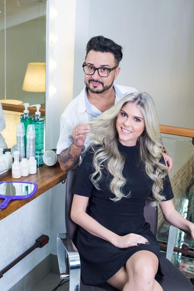 Bárbara Evans  e seu cabeleireiro Fabinho Araújo