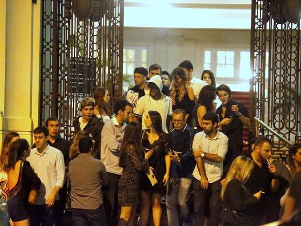 Neymar sai de festa acompanhado (Crédito: Reprodução)