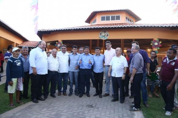 Wellington Dias, com a presença do prefeito de Cocal, Rubens Vieira