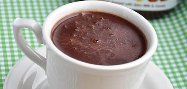 Aprenda a fazer três receitas de chocolate quente