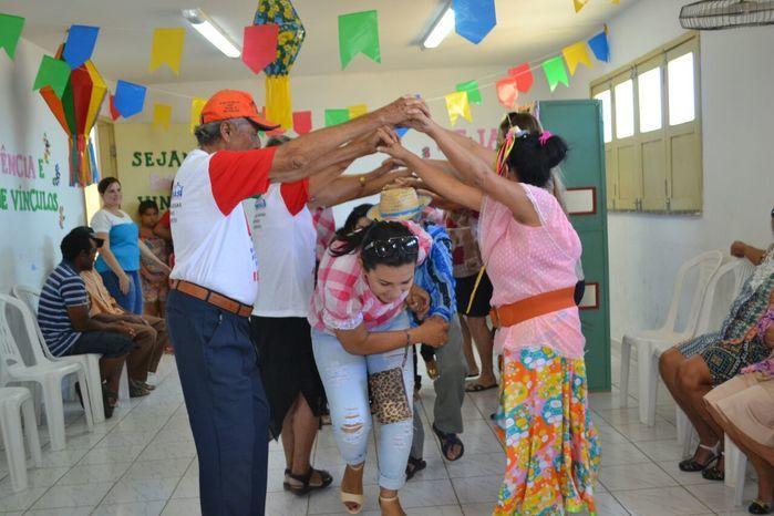 CRAS realiza festa junina para idosos do grupo Viva Idade - Imagem 63