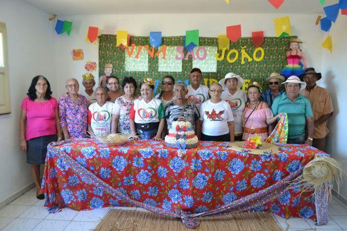 CRAS realiza festa junina para idosos do grupo Viva Idade - Imagem 2