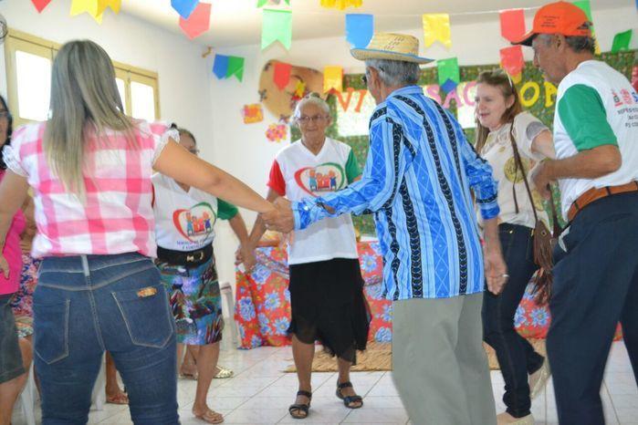 CRAS realiza festa junina para idosos do grupo Viva Idade - Imagem 54