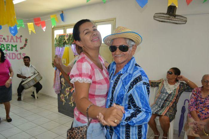 CRAS realiza festa junina para idosos do grupo Viva Idade - Imagem 10