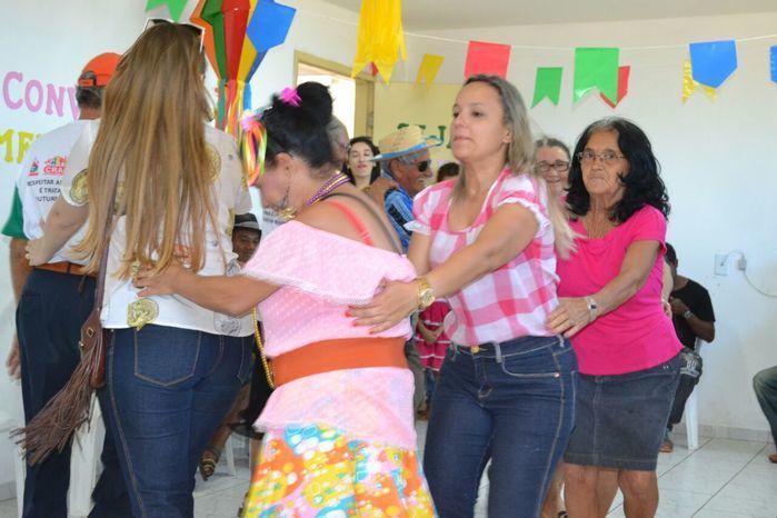 CRAS realiza festa junina para idosos do grupo Viva Idade - Imagem 25