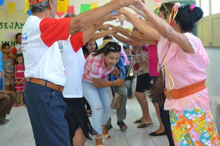 CRAS realiza festa junina para idosos do grupo Viva Idade - Imagem 50