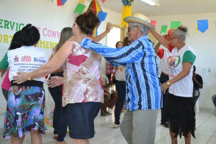 CRAS realiza festa junina para idosos do grupo Viva Idade - Imagem 45