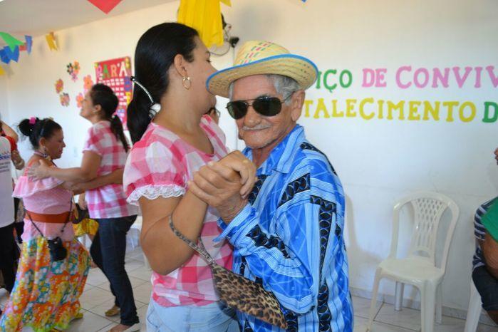 CRAS realiza festa junina para idosos do grupo Viva Idade - Imagem 57