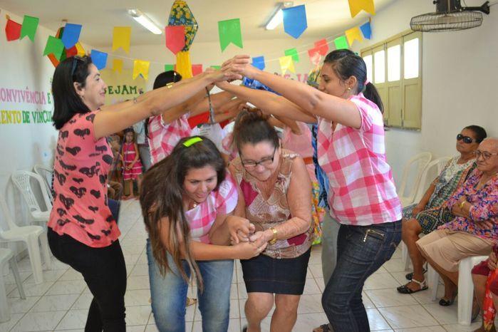 CRAS realiza festa junina para idosos do grupo Viva Idade - Imagem 1
