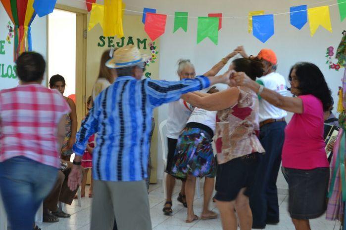 CRAS realiza festa junina para idosos do grupo Viva Idade - Imagem 9