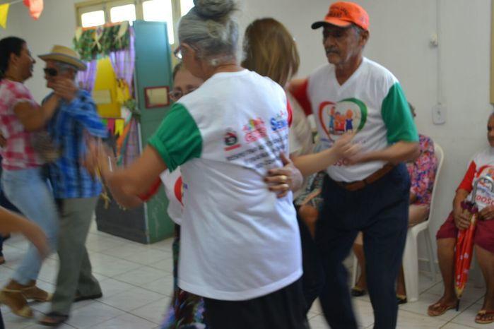 CRAS realiza festa junina para idosos do grupo Viva Idade - Imagem 6