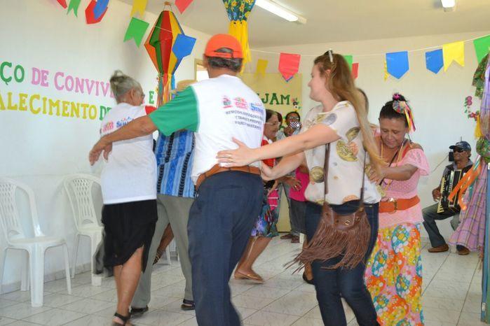 CRAS realiza festa junina para idosos do grupo Viva Idade - Imagem 32